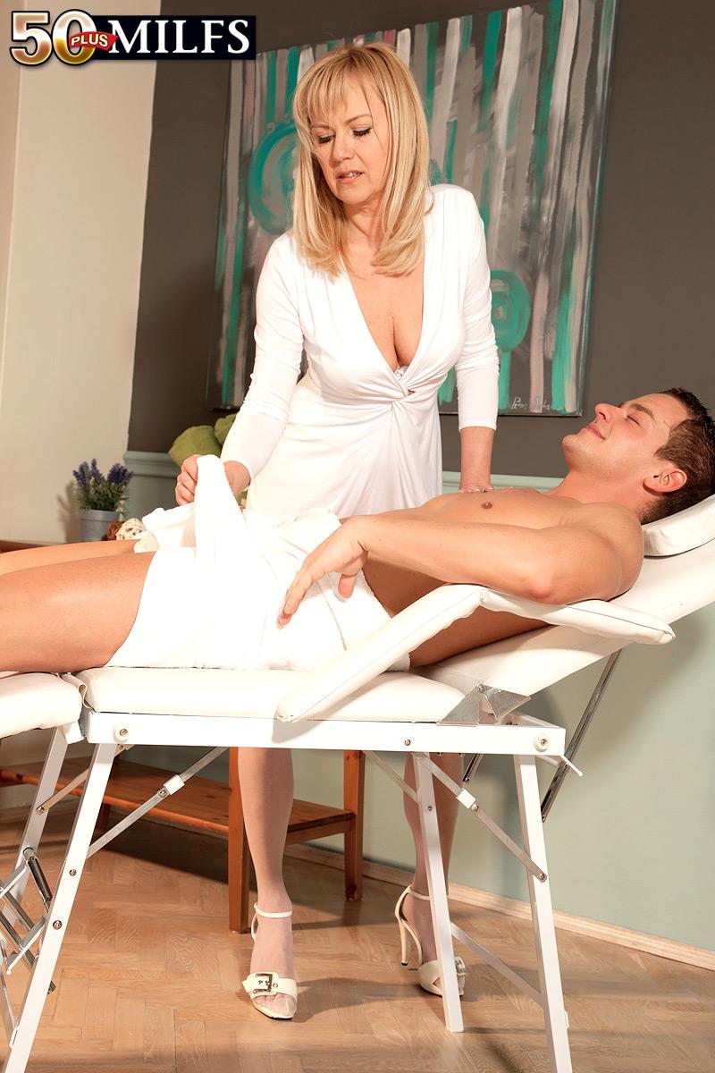 Massage Happy Ending Feet